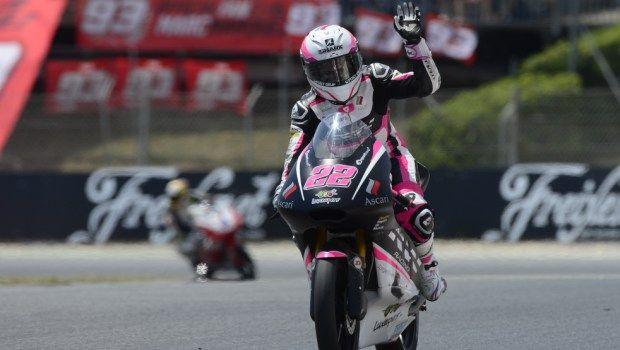 Donne in moto: e se lei andasse più forte di voi?