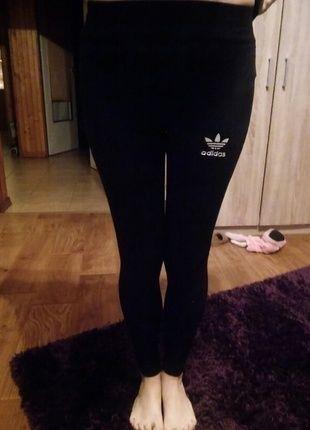 Kup mój przedmiot na #vintedpl http://www.vinted.pl/damska-odziez/legginsy/11850391-przylegajace-czarne-legginsy-adidas