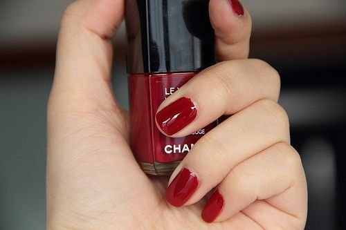 Classic, short, red nails. One of my favorite manicure looks, especially for fall and winter.