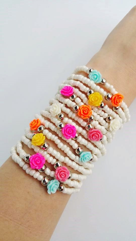 Layering beaded bracelets, you are buying 15 bracelets in this listing. Each bracelet is 7.5 inches TAKE ADVANTAGE OF COMBINED SHIPPING!!!! Only 0.50€ (about 0.60 USD) for adicional item!! Handmade with love