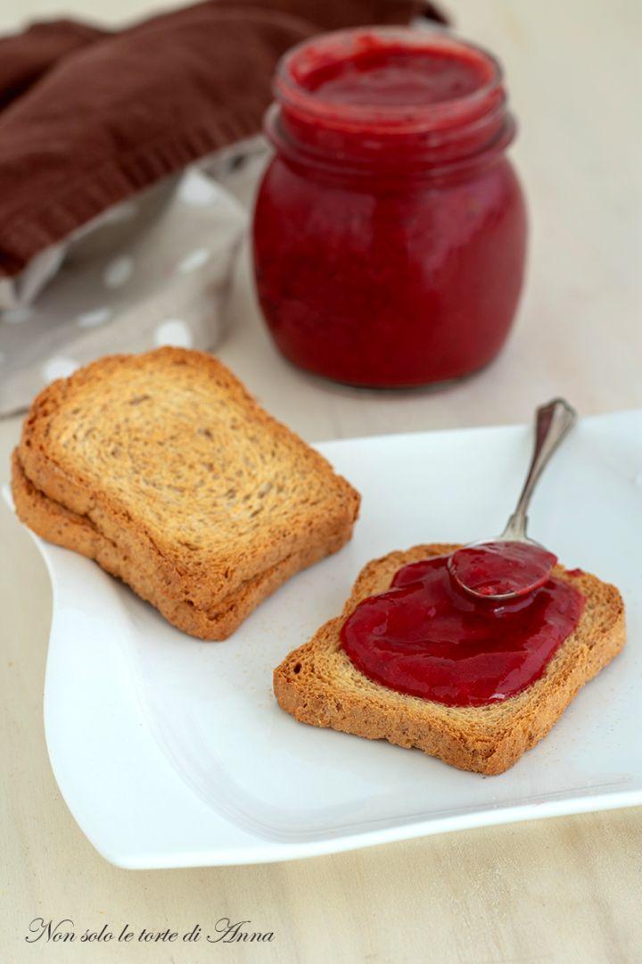 Confettura di fragole ricetta con e senza zucchero