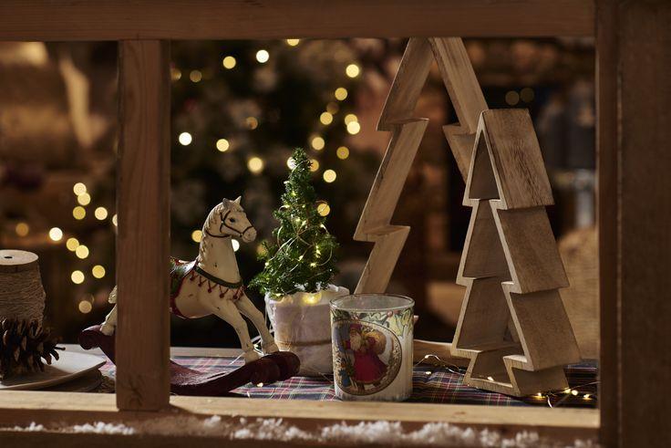 Weihnachtsdeko #deko #schaukelpferd #holz #lichterkette #tannenbaum #weihnachten