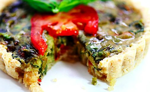 Как сделать веганский сыр, зефир, мороженое,...: Веганское квише со шпинатом и грибами сыроедческое