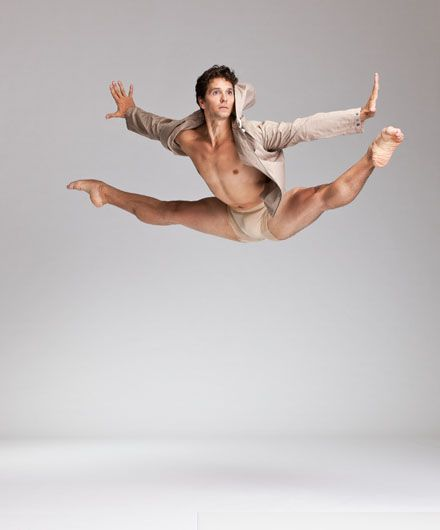 Principal Dancer Guillaume Côté.