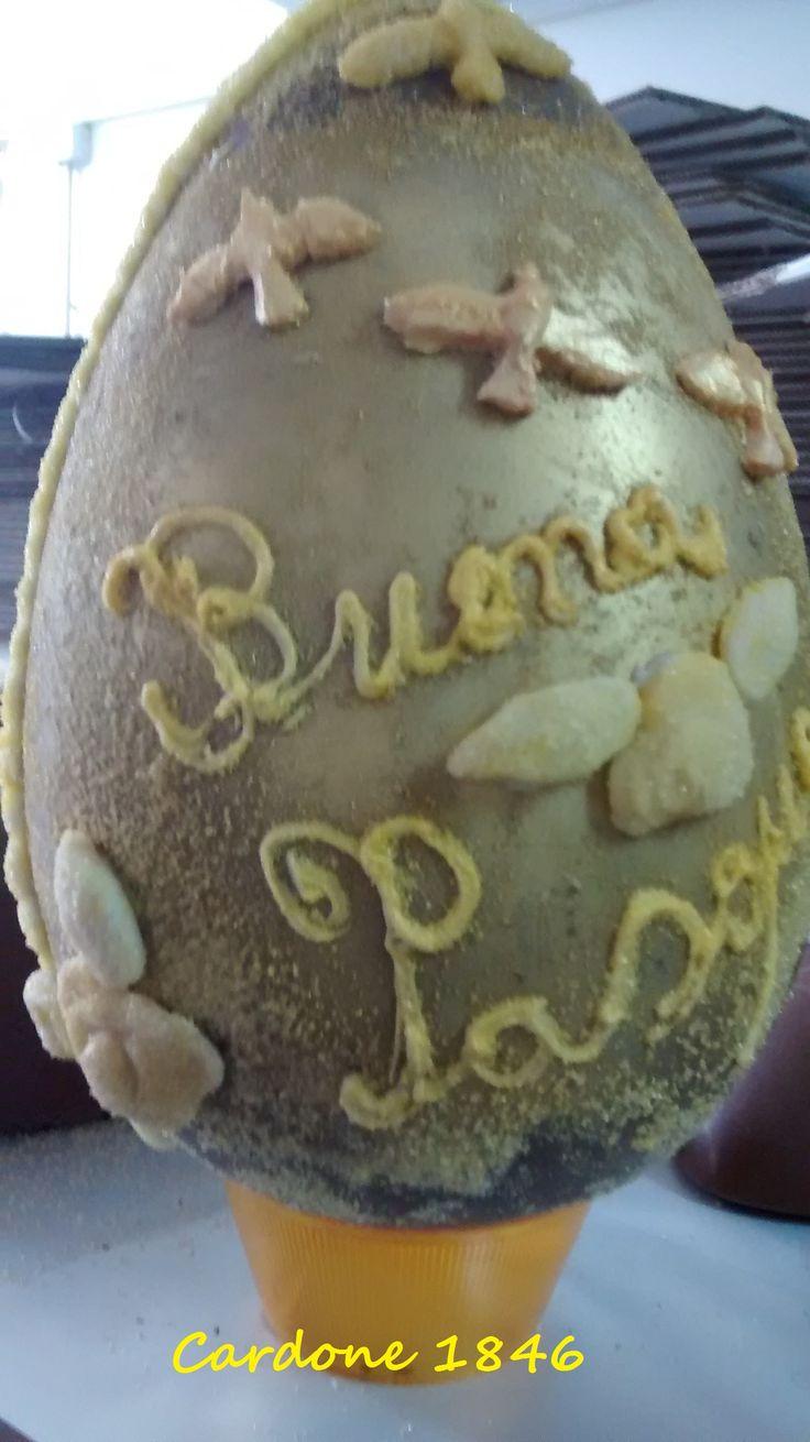 serie gold uovo artigianale di cioccolato decorato a mano