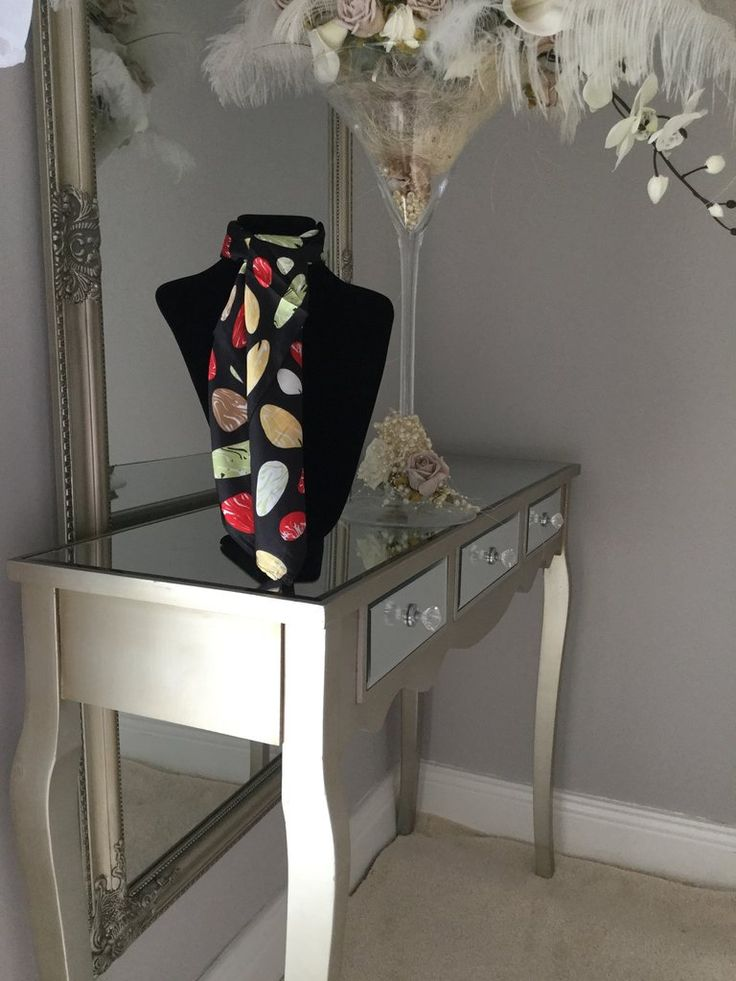 Black and Multicolour Pebble Print Scarf stunning silk scarf is perfect to tie around your neck in numerous ways
