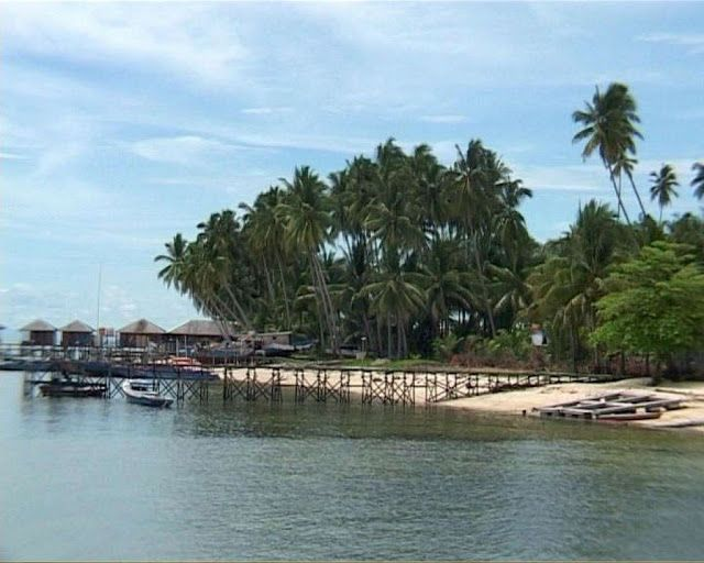 Wisata Pantai Sigandu Jawa Tengah