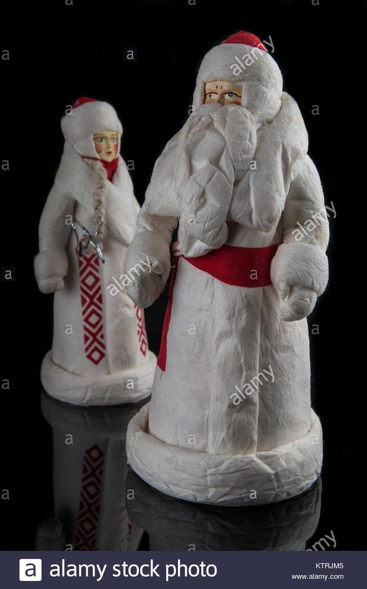 Download this stock image: Santa Claus and the Snow Maiden from the twentieth century. - KTRJM5 from Alamy's library of millions of high resolution stock photos, illustrations and vectors.