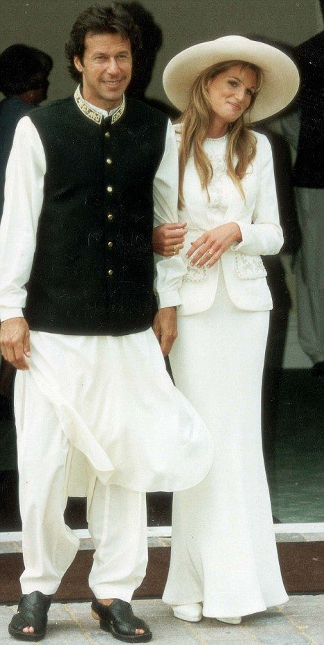 Bride and groom: Imran Khan and Jemima Goldsmith on their wedding day in 1995