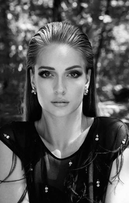 Turkish Actress, Yasemin Allen - All Magazine Pictorial [Turkey] (September 2013)