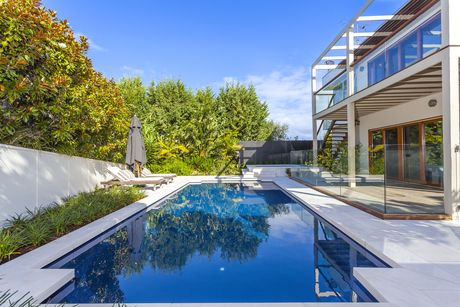 1000 images about pools on pinterest swimming pool builders travertine pavers and swimming pools for Swimming pool display centres melbourne