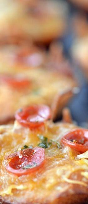 Mini Pretzel Crust Pizza Recipe - The Gunny Sack