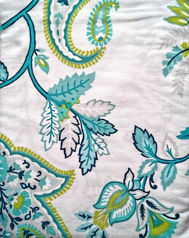 Cynthia Rowley Shower Curtain Victoria Paisley Floral Scroll Whit