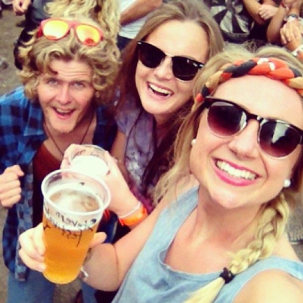 Koser oss på #stavernfestivalen #mortenabel #godkog #øl#bff #sol#Stavern#festival#cool - @susannebjh- #webstagram