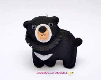 Felt ASIAN BLACK BEAR, stuffed felt Bear magnet or ornament, black Bear toy, Forest animals, Nursery decor,Bear magnet,Cute Bear,home decor