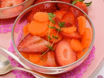 Receta | Sopa de fresas y zanahorias confitadas - canalcocina.es
