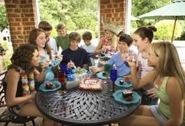 Games That Teenagers & Adults Can Play at a Birthday Pa…