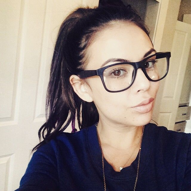 Loving these glasses on Janel Parrish. | Pretty Little Liars