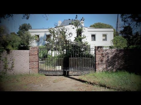 http://www.AdamTheWoo.com - Beverly Hills is home to the former home of Liza and Vincente Minnelli . An empty mansion with a back story long enough to fill a...