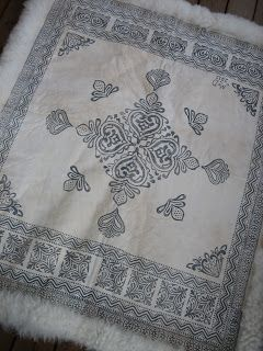 YARN JUNGLE: Sheepskin blanket