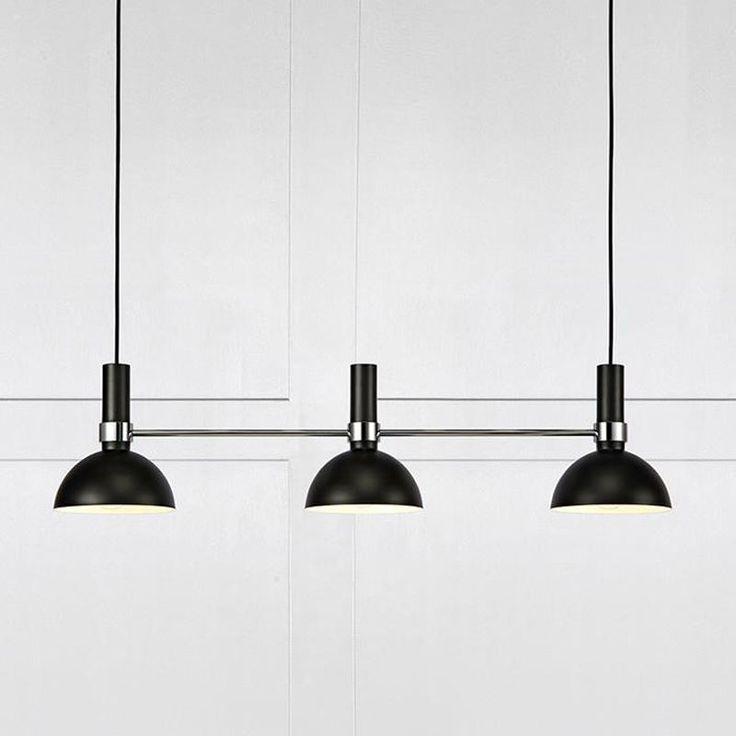 Taklampan Larry från Markslöjd är en klassisk matsal- eller köksbordslampa med en extra twist.
