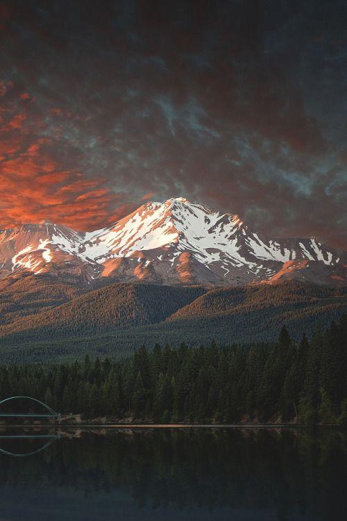 lsleofskye:  Mt. Shasta Sunset