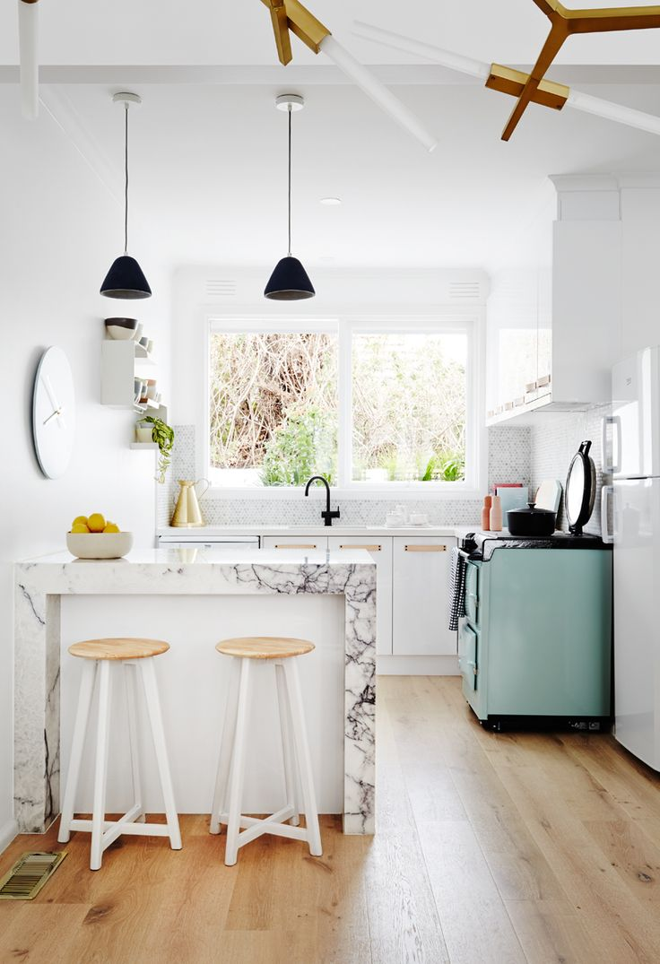 We simply adore how Style School have transformed this kitchen into a light filled & functional space. Paint colour - Haymes Greyology 1