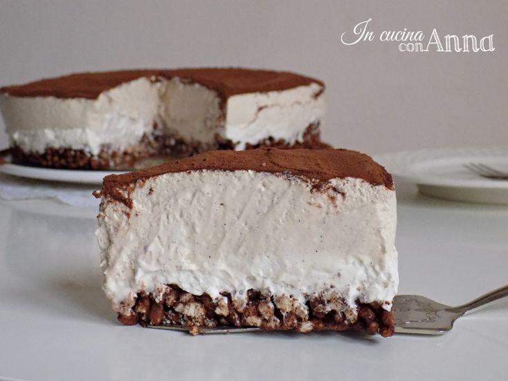 Ed eccovi la torta fredda tiramisù uno di quei dolci a cui è difficilissimo dire di no,e come si fa a dire di no ad un dolce così buono e goloso?