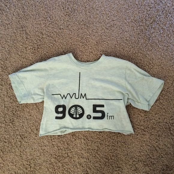 Miami radio station crop tee w/ raw hem WVUM is Miami U's alternative radio station- this piece of merch is impossible to find and will make you look super-cool. What's cooler than a shirt from an obscure radio station? It's printed on a textured mint green shirt, which says xs but fits like a small! Tops Crop Tops
