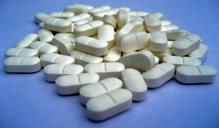 El paracetamol es la panacea de todos los dolores, y todo el mundo tiene una caja (si no más) en su casa. Pero lo que muchos no saben es que ni funciona para los dolores crónicos, ni funciona para la mayoría de personas con, por ejemplo, dolor de cabeza. La pregunta es, ¿tiene sentido el paracetamol?