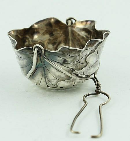 Shiebler leaf form tea infuser circa 1880 antique sterling silver