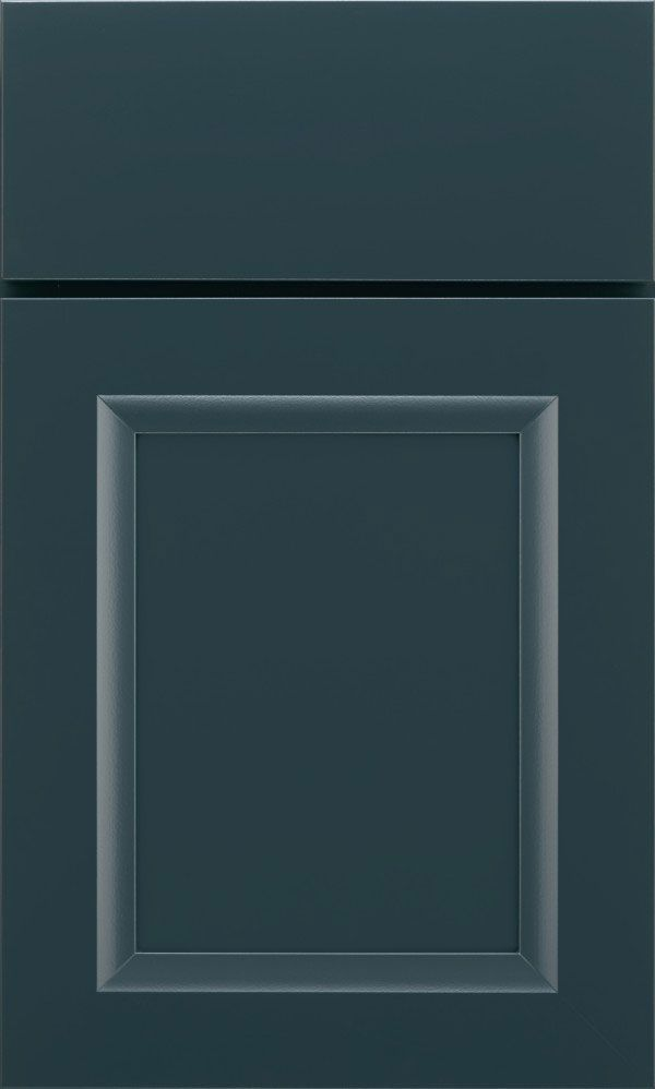 The Wells flat panel cabinet door has modern lines and flexibility that exemplify the ultra popular transitional door style.