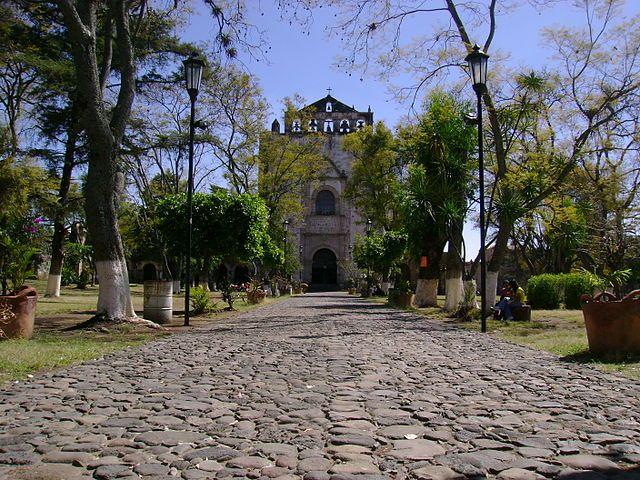 Tlayacapan, Morelos / Este lindo pueblito cuenta con un fascinante convento virreinal y con una gran oferta de temazcales (baños prehispánicos de vapor).