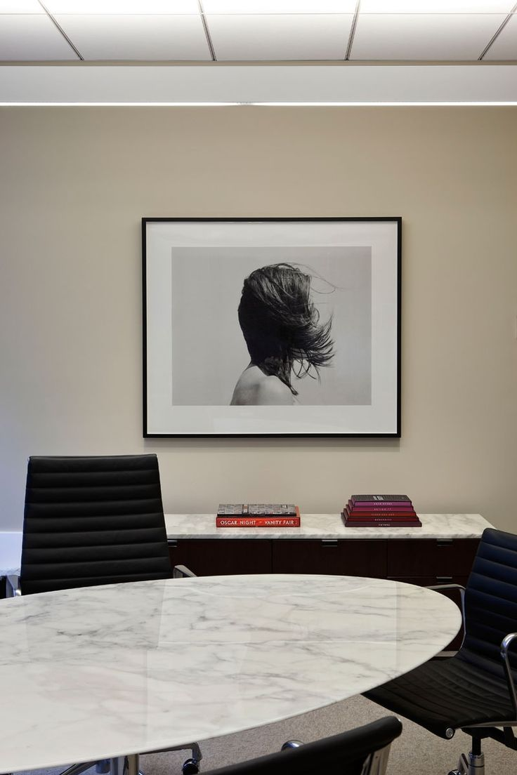 Tewes design nyc executive office seattle interior design - Tom Sandberg Photo In Ceo S Office Of L Oreal S Professional Products Division Nyc Art Consultant Hazen Partners Art Advisory Photo Peter Margonelli