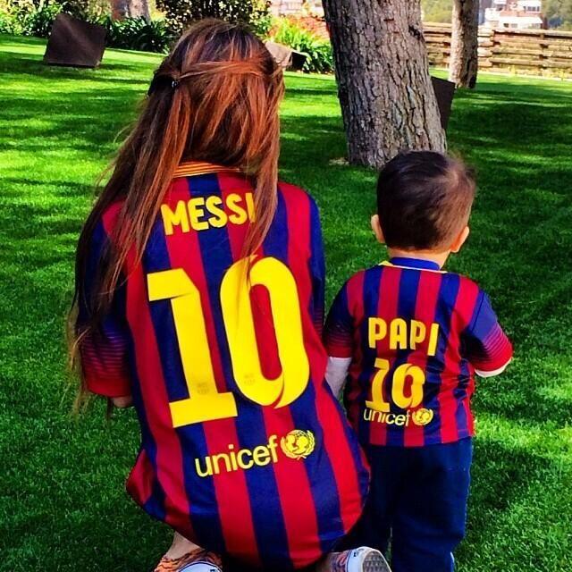 """La bonita imagen que compartió Antonella Roccuzzo, esposa de Lionel Messi, y escribió el mensaje """"Con vos en todas"""": pic.twitter.com/9Emjv9Y6v2"""