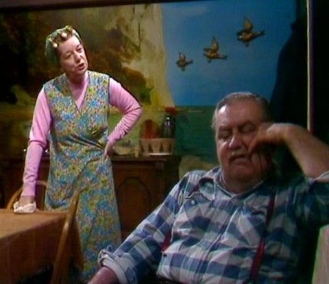 Coronation Street's Stan and Hilda Ogden - the 'muriel' and three flying ducks!