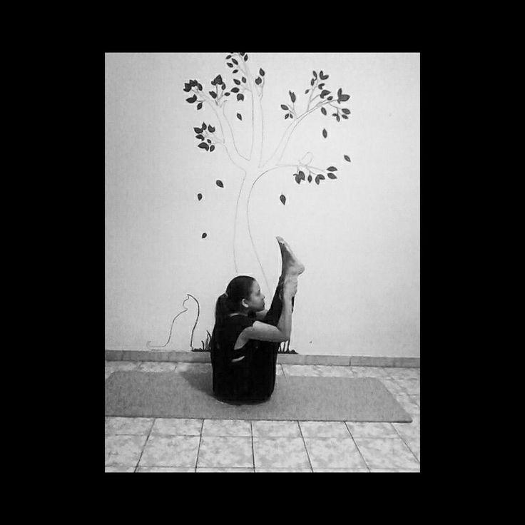 #asana #urdhvamukhapaschimattanasana #upwardfacingforwardbend #yoga #yogagirl #yogavenezuela