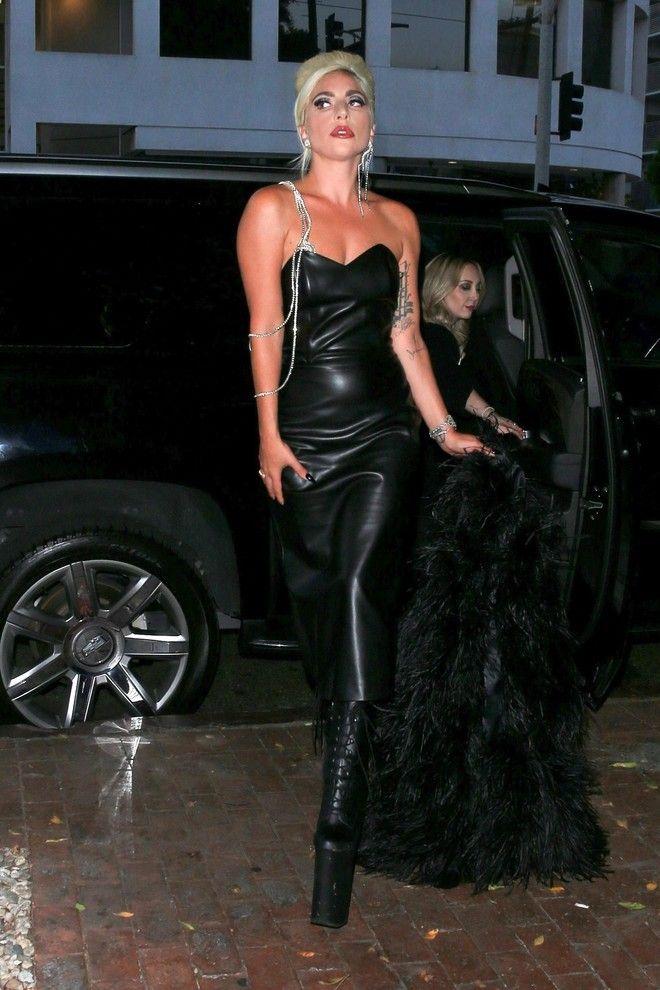 Тролли не страшны: Леди Гага и ее старый добрый эпатажный ...