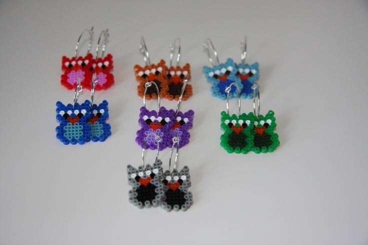Øreringe med små ugler lavet af mini hama perler