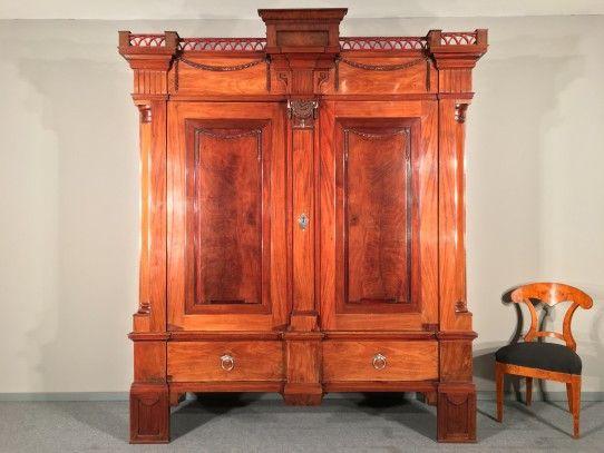 gro er klassizistischer hallenschrank in mahagoni hamburg um 1800 bernhardts interior. Black Bedroom Furniture Sets. Home Design Ideas