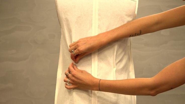 Gör det själv! Inprovningar för god passform. Följ denna #tutorial för att få en perfekt passform på din klänning! #helasverigesyr #sy