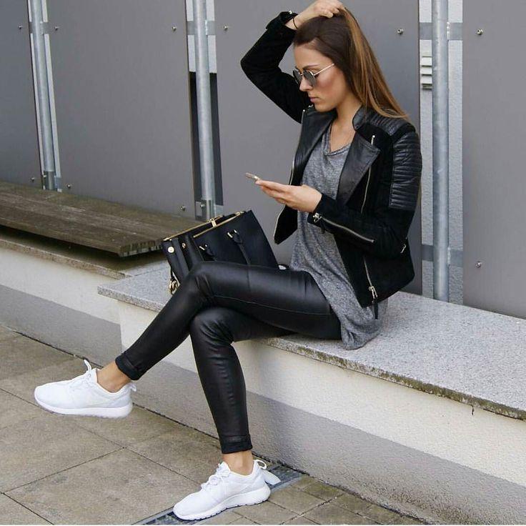 pin auf sexy leggings. Black Bedroom Furniture Sets. Home Design Ideas