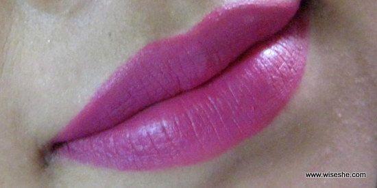 MAC Retro Matte Flat Out Fabulous Lipstick Review  Lip Swatch+plum lipstick