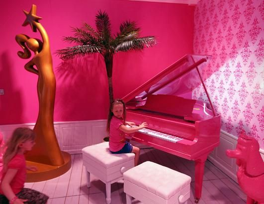 17 best Barbie\'s Dream House Mall of America images on Pinterest ...