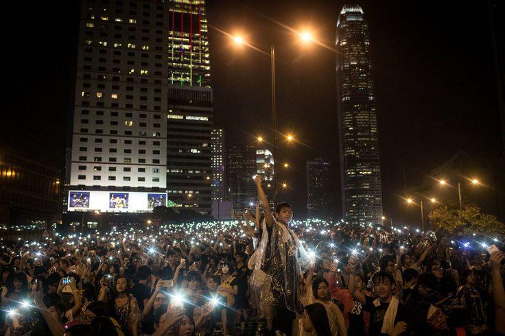 Images of Hong Kong's Umbrella Revolution - NYTimes.com