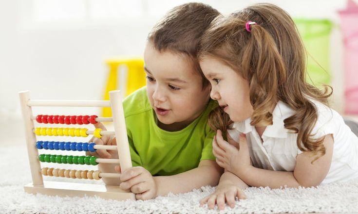 Для достижения успеха в современном мире очень важно иметь аналитический склад ума и уметь мыслить логично. Естественно, все родители пророчат своим малышам светлое будущее и мечтают об их благополучии. Многие полагают, что занятия математикой лучше всего развивают логику ребенка. Как же познакомить кроху с цифрами и научить считать? Запоминание чисел В возрасте двух лет ребенок […]