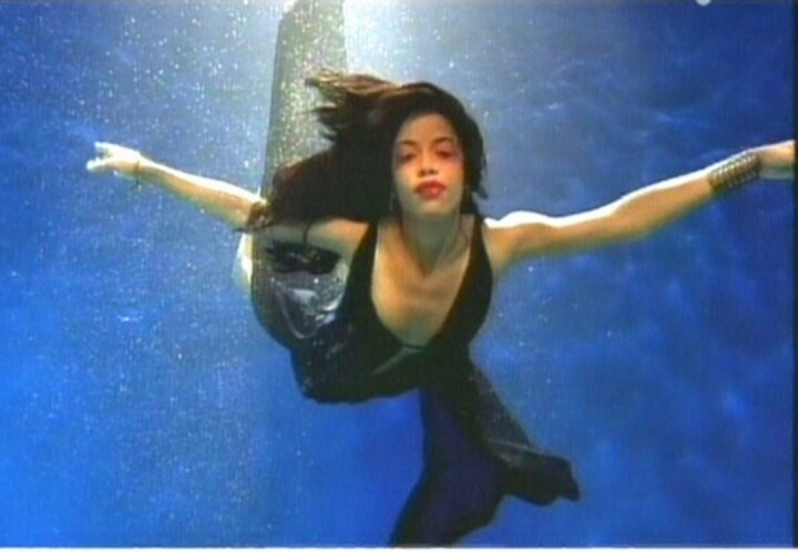 "Aaliyah ""Rock the Boat""~my fave photo of her@Lisa Meek"