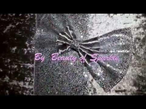 Luxury crushed velvet with glitter wall art! Unique Decor!! #GlitterWalls