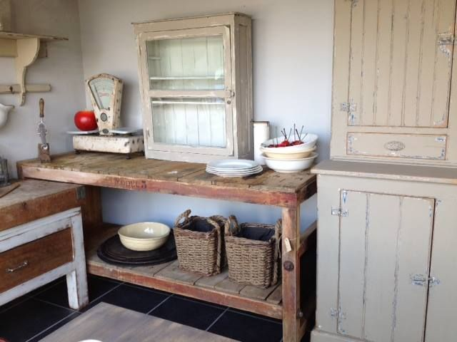 Country style kitchen setting - New and old items - Blaasveld - #WoonTheater