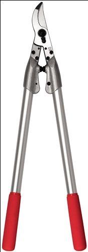 Las podaderas a dos manos son la herramienta ideal para la poda de las ramas alejadas. Permiten una gran facilidad de corte. Fiabilidad: empuñaduras ligeras de aluminio / hoja y contra-hoja atornillada de acero templado de máxima calidad / corte limpio y preciso / todas las piezas reemplazables •Eficacia: ajuste del corte fácil y duradero / cabeza de corte estrecha / contra-hoja ranurada para retener la madera •Ergonomía: protección de las muñecas y brazos gracias a los amortiguadores
